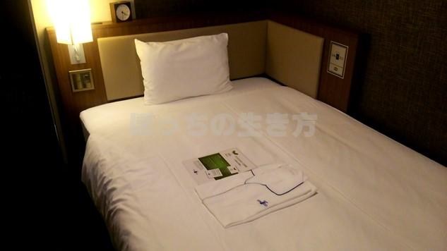 ホテルユニゾ四条烏丸のベッド