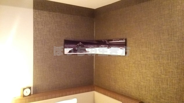 ホテルユニゾ京都四条烏丸の壁