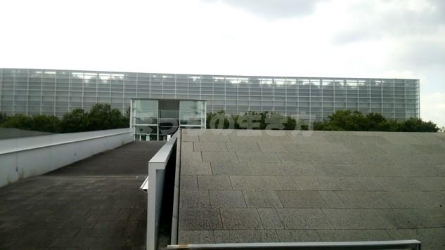 国立国会図書館関西館の外観と大きさ