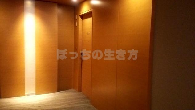 シェラトン広島のデラックスコーナーキングルームの入口ドア