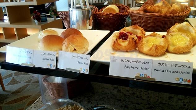 シェラトン広島のクラブラウンジ朝食のパン
