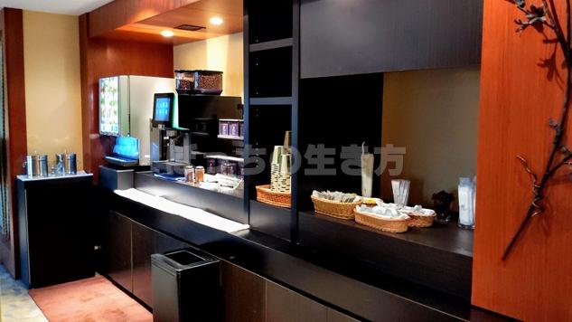 リーガロイヤル大阪のカフェラウンジ