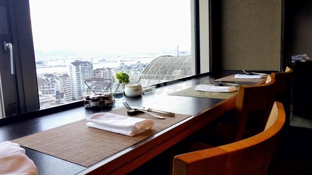 神戸ベイシェラトンホテルのクラブラウンジの朝食風景