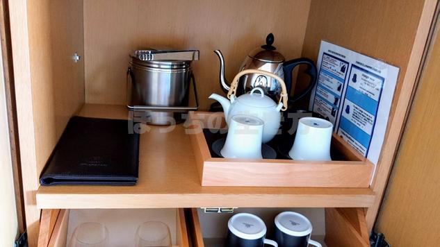 神戸ベイシェラトンホテルのクラブフロアのきゅうすと湯呑