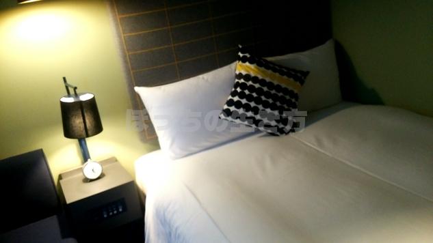 リソルホテルのベッド周りはおしゃれ