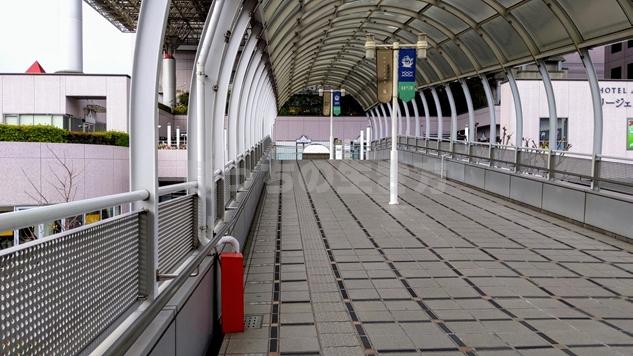 南海電鉄堺駅の歩道橋