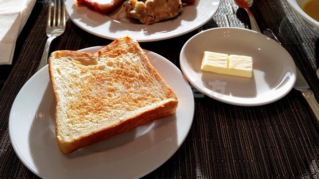 エグゼクティブラウンジの食パン
