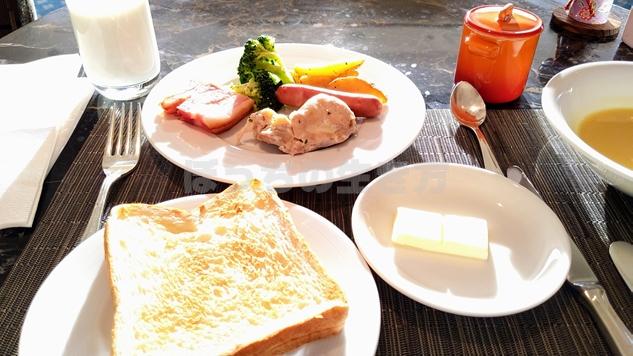 アゴーラリージェンシー堺のエグゼクティブラウンジの朝食