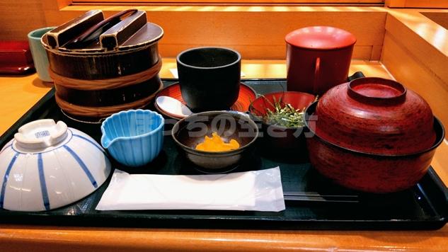名古屋ユニモール地下街のためつ食堂のひつまぶし