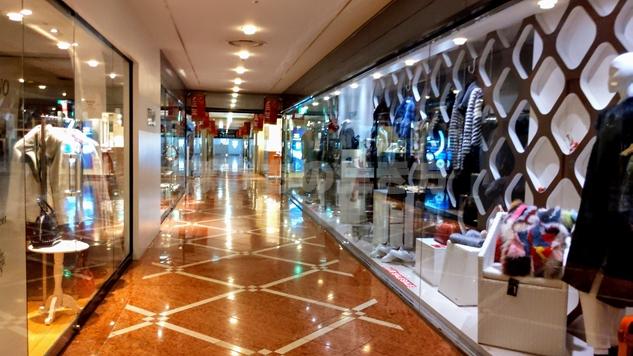 リーガロイヤルホテル大阪の地下でショッピング