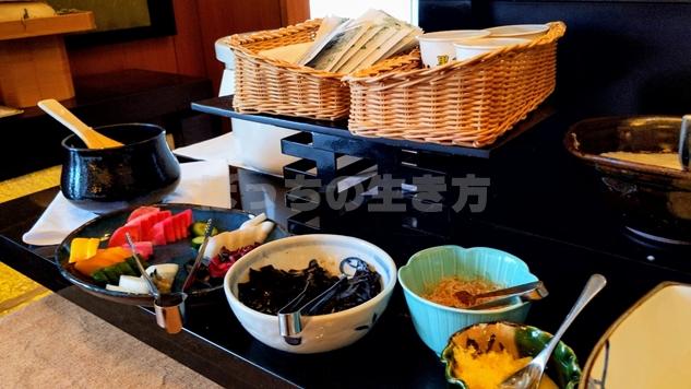 リーガロイヤル大阪のエグゼクティブラウンジのひじきと玉子焼き