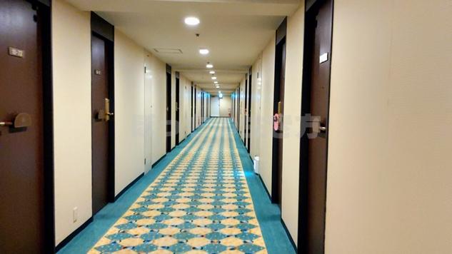 リーガロイヤル大阪のウエストウィングの廊下