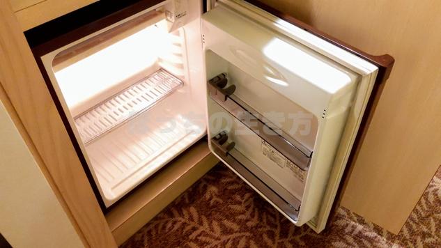 ウエストウィングのシングルルームの冷蔵庫
