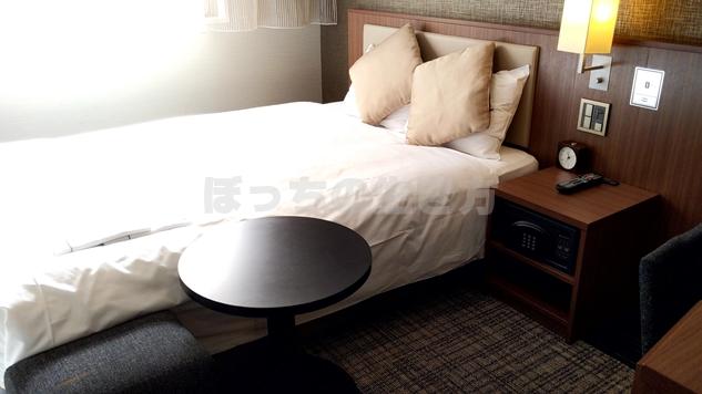 ユニゾホテル銀座一丁目のベッド