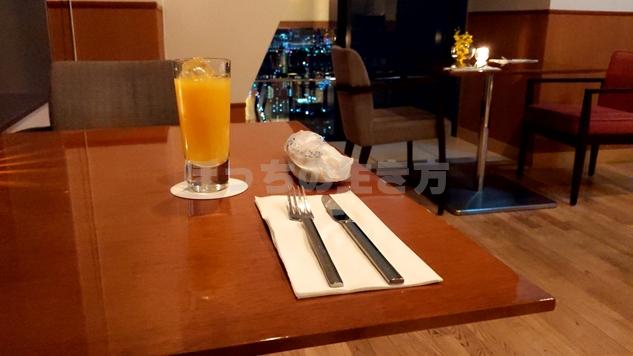 カクテルタイムのオレンジジュース