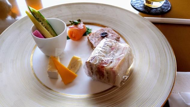 神戸ポートピアホテルのオーバルクラブ