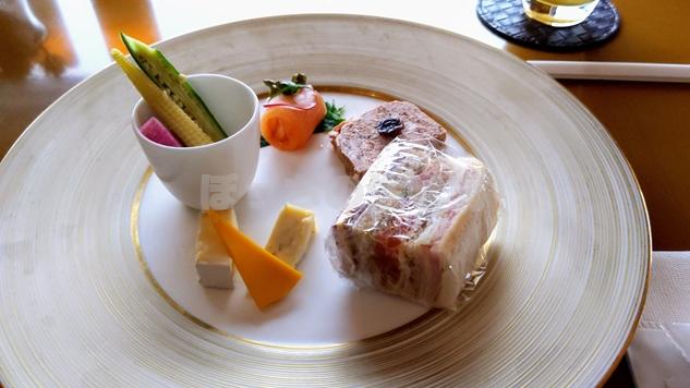 神戸ポートピアホテルのアペリティフタイムのオードブル