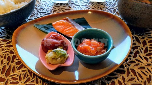 神戸ポートピアホテルのオーバルクラブの和定食
