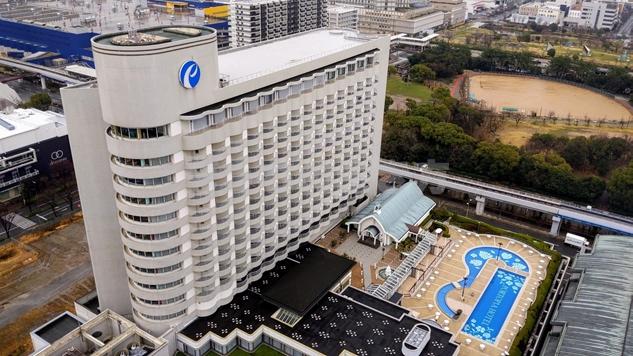 神戸ポートピアホテル南館の外観