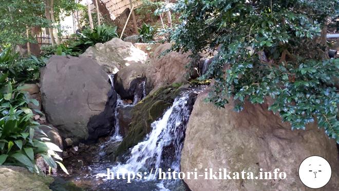シェラトン都ホテル東京の日本庭園の滝