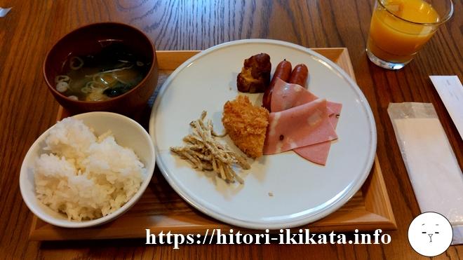 ブルーブックスカフェのビュッフェ朝食