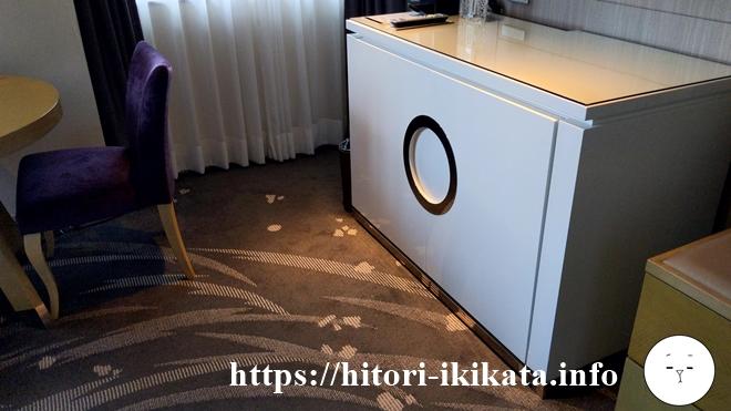 東京マリオットホテルの高層階コーナーキングルーム